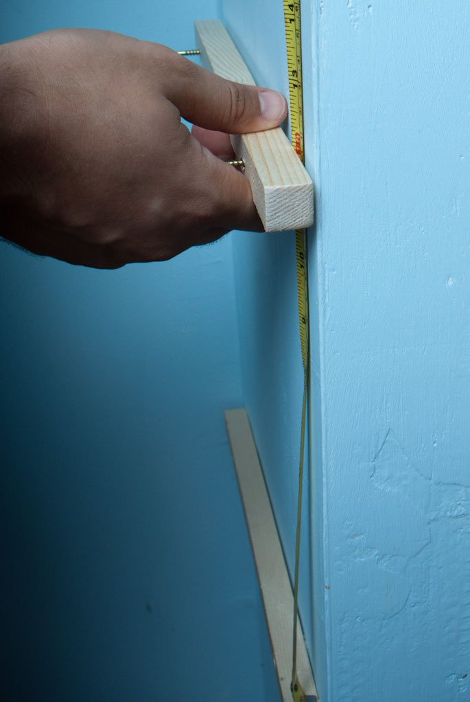 Installing a shelf braket