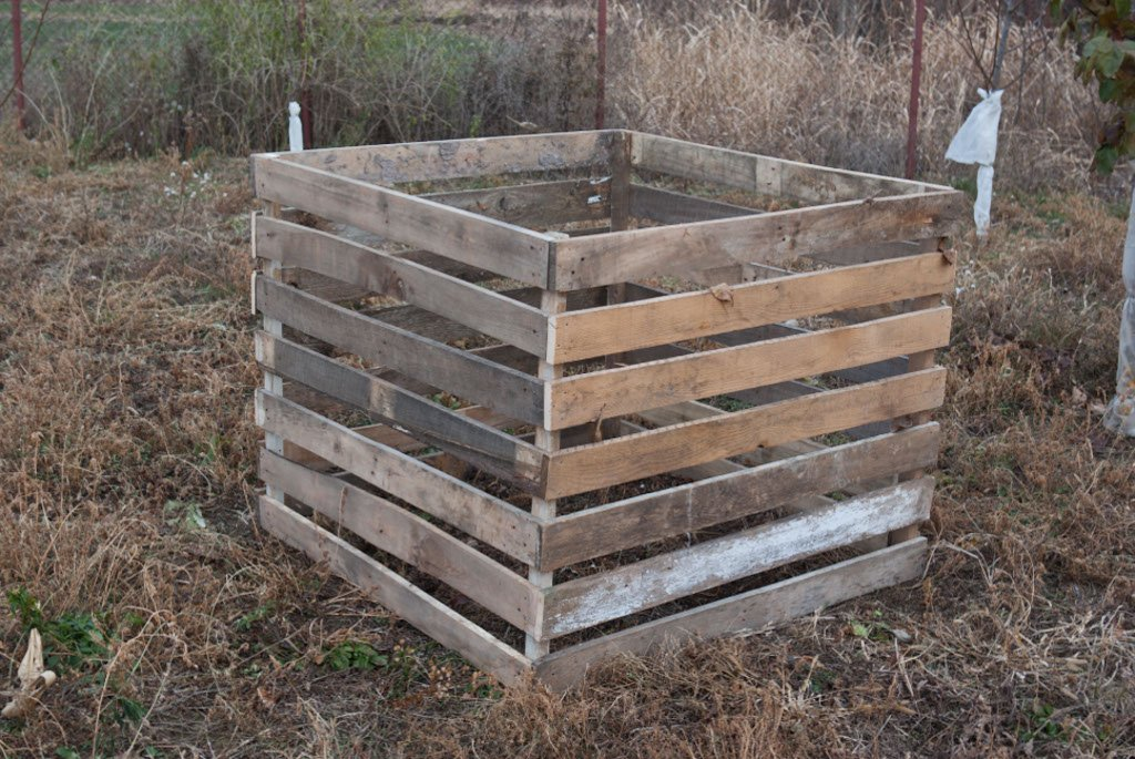 how to build a compost bin howtospecialist how to build step by step diy plans. Black Bedroom Furniture Sets. Home Design Ideas