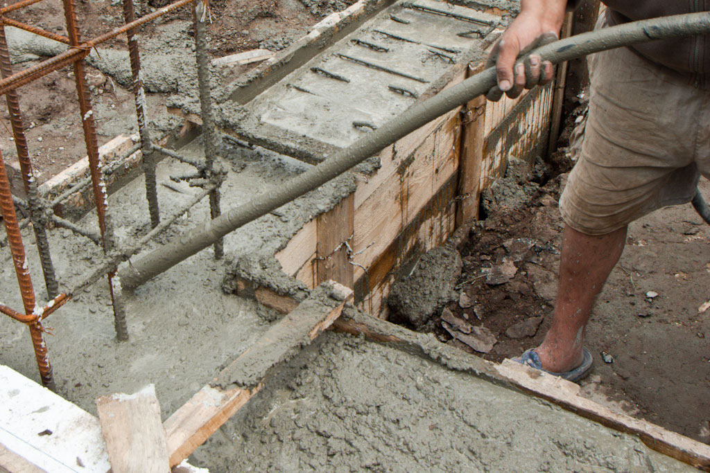 How To Pour A Foundation Howtospecialist Build Step By