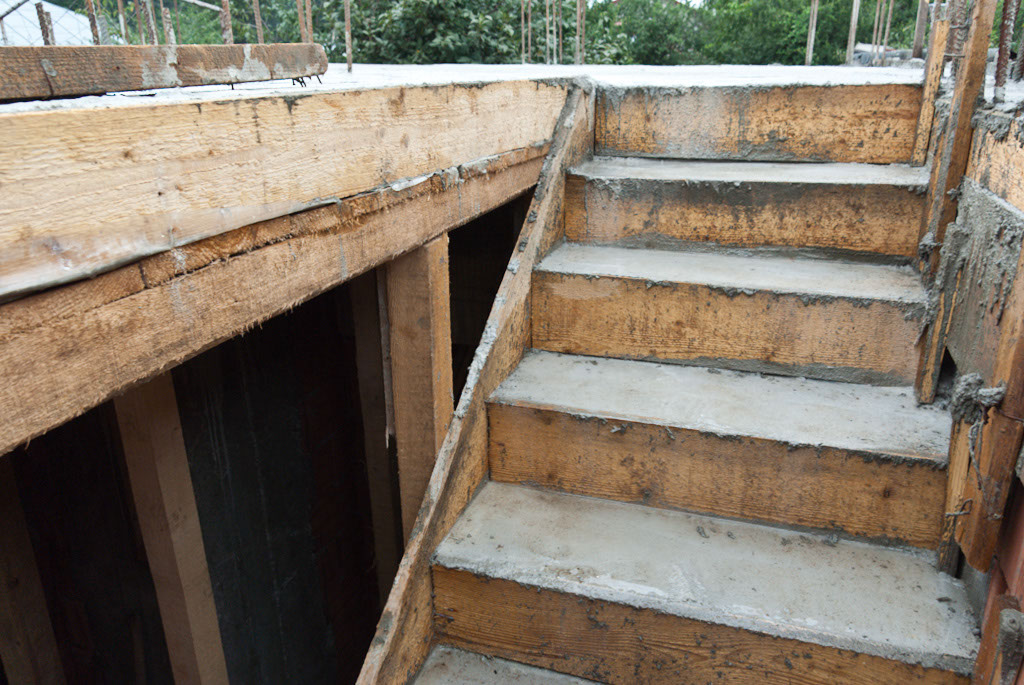 How To Build Concrete Stairs Howtospecialist Step By Diy Plans