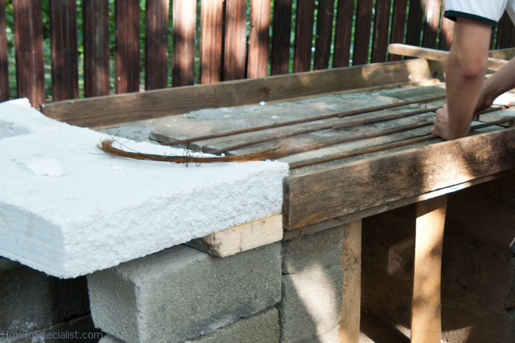 Using rebars to reinforce countertop