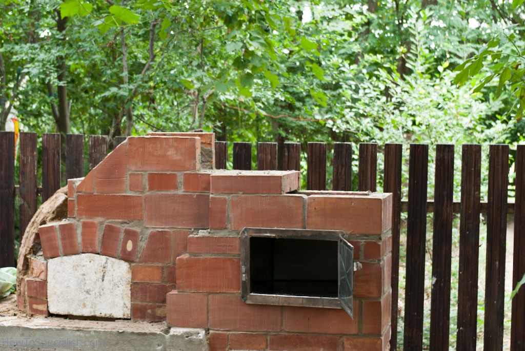 Brick pizza oven chimney