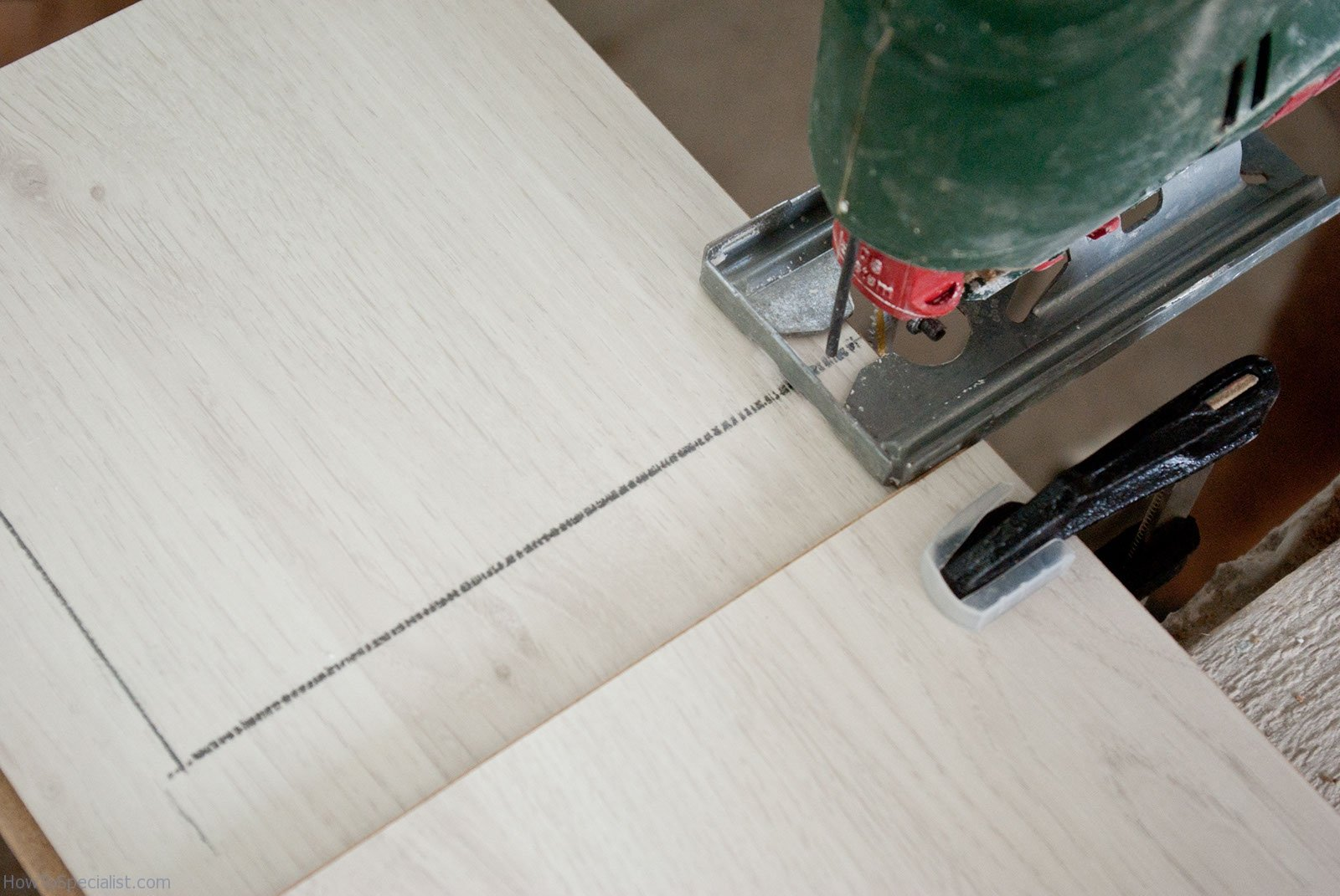 How To Cut Laminate Flooring HowToSpecialist How To Build Step By