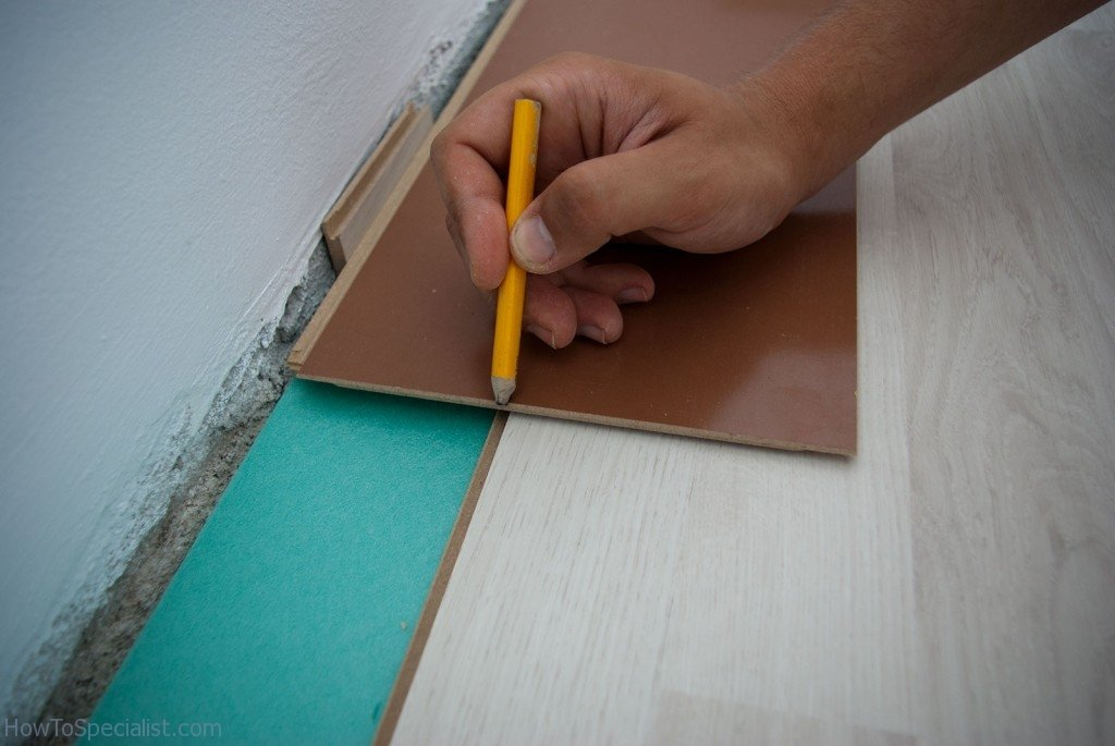 How Cut Laminate Flooring Lengthwise Howtospecialist Build Step Diy Plans