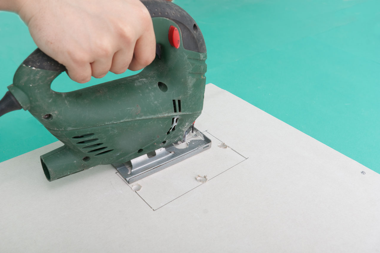 How To Cut A Square Hole In Drywall Howtospecialist