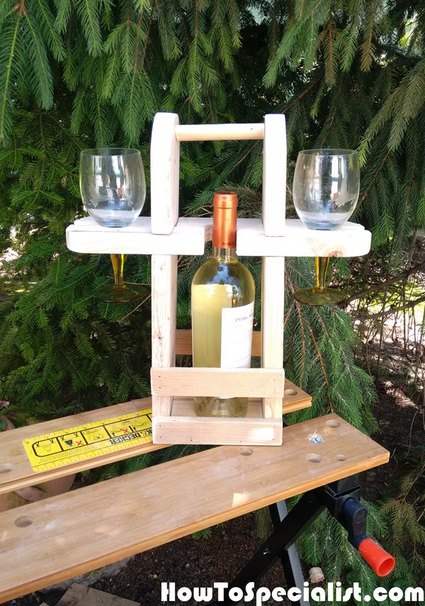 DIY-Picnic-Wine-Caddy