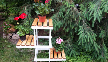 How-to-make-a-plant-stand
