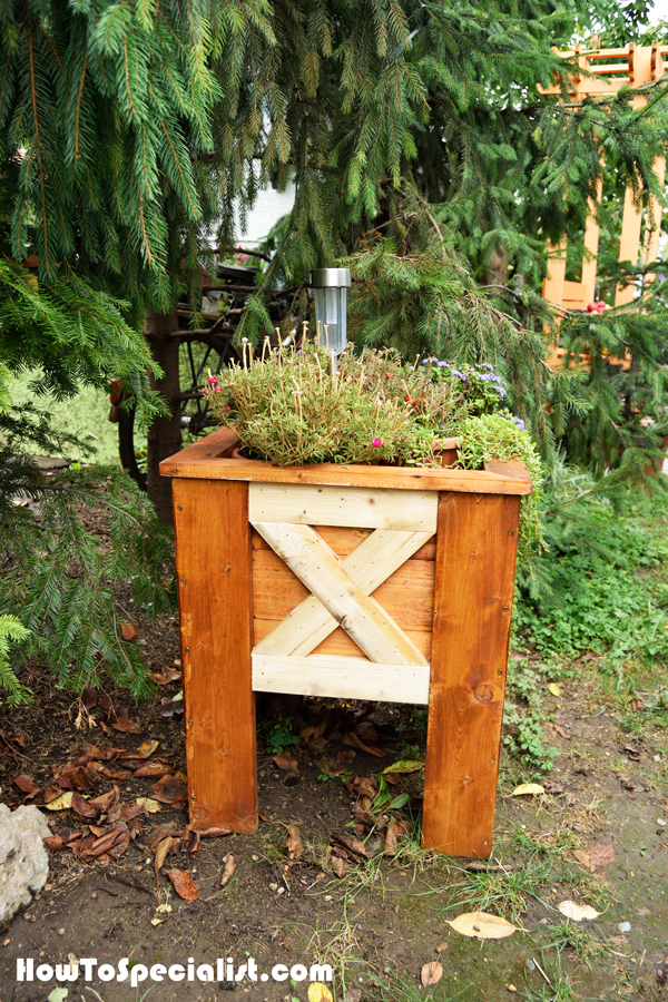 diy-wood-planter-box
