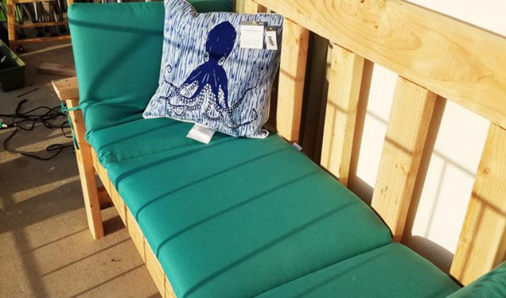 DIY-2x4-Simple-Garden-Bench