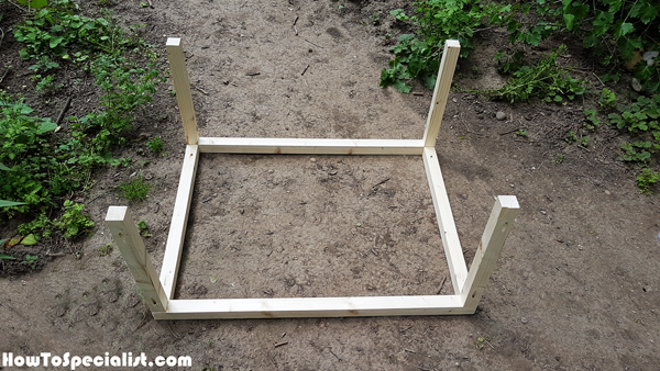 Building-the-frame-of-the-table