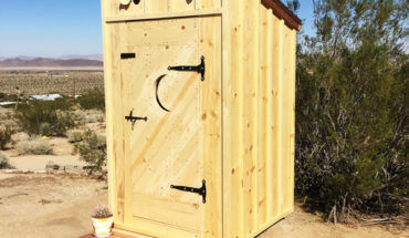 DIY-Lean-to-outhouse