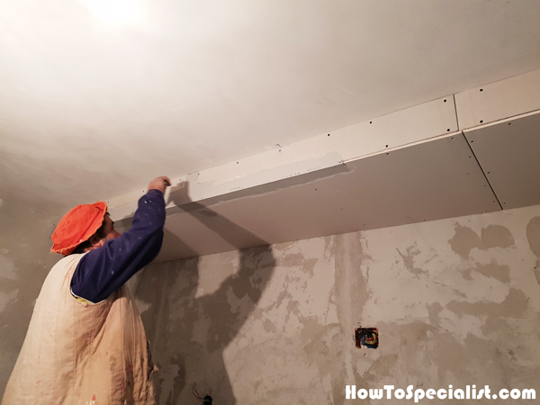 Fitting-the-corner-beads---ceiling-soffit-box