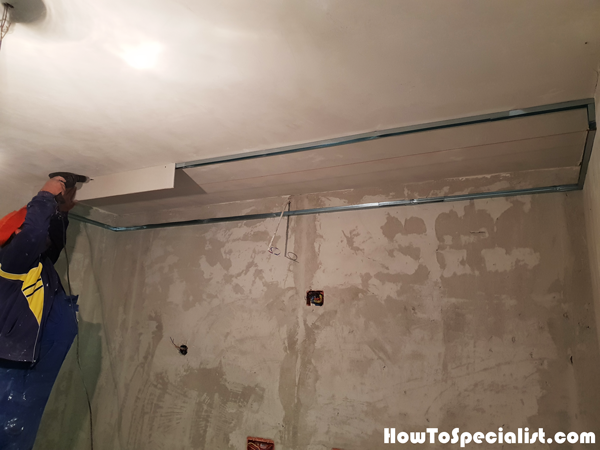 Fitting-the-drywall-to-the-front-of-the-soffit-box