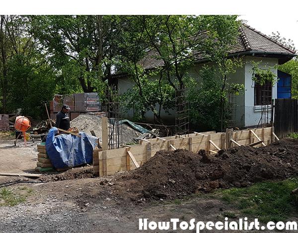 Concrete-fence-base-formwork