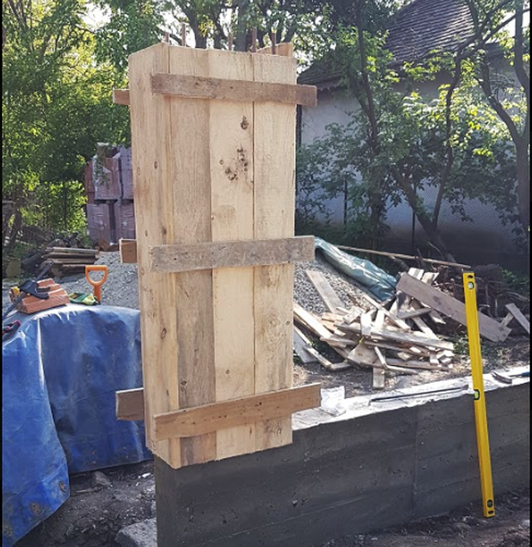 Making-a-formwork-for-the-fence-pillars